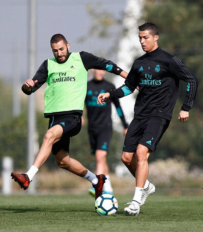 """Real: Benzema trở lại phục vụ, Ronaldo """"tập bắn"""" điên cuồng - 3"""
