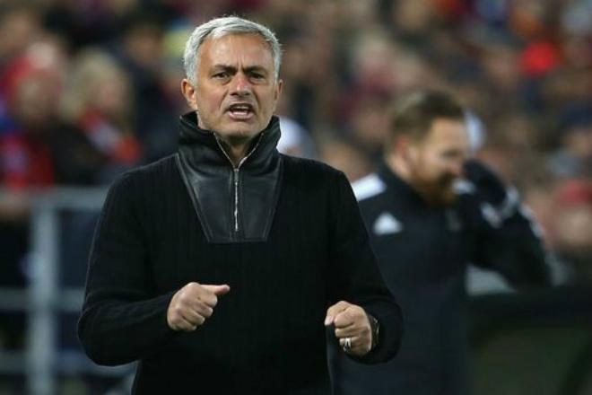 """Họp báo Liverpool - MU: Mourinho đá """"9 tiền đạo"""" giành 3 điểm, lo Klopp bị sa thải 1"""