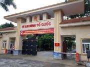 Tin tức trong ngày - Dùng cano đưa cơm cho 700 phạm nhân bị cô lập do nước lũ