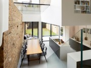 Thiết kế thông minh đáng học hỏi của  căn nhà một nửa