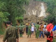 Nát tay cào bới tìm nạn nhân sạt lở đất Hoà Bình