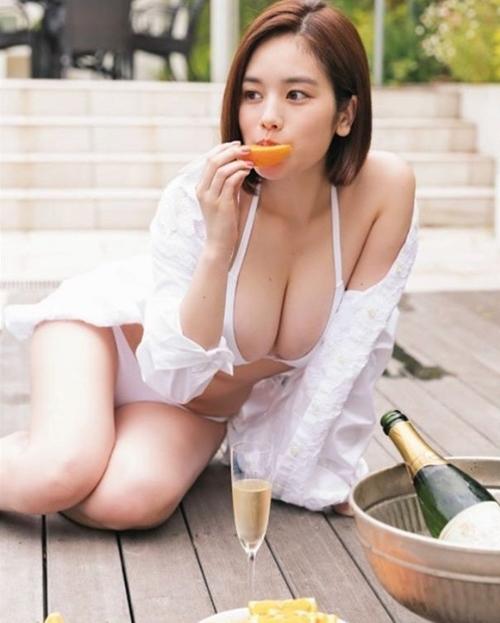 Phụ nữ Nhật làm gì để có khuôn ngực khiến mày râu ngày nhớ đêm mong? - 7