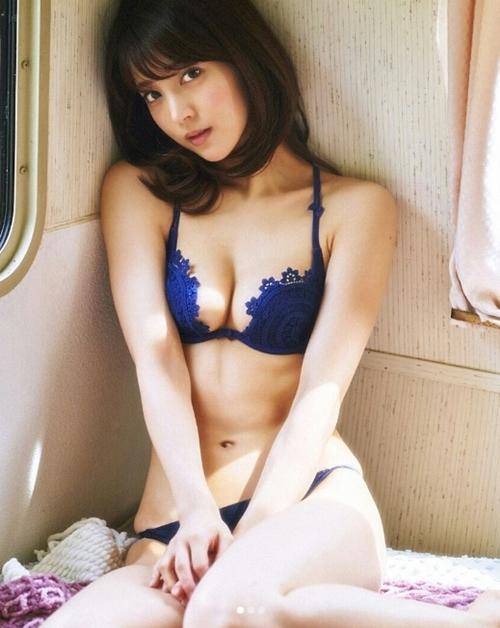 Phụ nữ Nhật làm gì để có khuôn ngực khiến mày râu ngày nhớ đêm mong? - 8