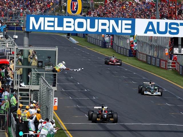 """Đua xe F1: """"Chuyển nhượng"""" vào mùa, bài toán đau đầu tìm tay đua 6"""