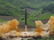 Triều Tiên di chuyển tên lửa sau lời dọa hủy diệt căn cứ Mỹ