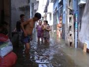 Ốc đảo  xuất hiện giữa Sài Gòn sau trận mưa như trút