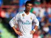 """Ronaldo  """" chân gỗ """"  không tưởng vẫn bùng nổ giải cứu Real Madrid"""