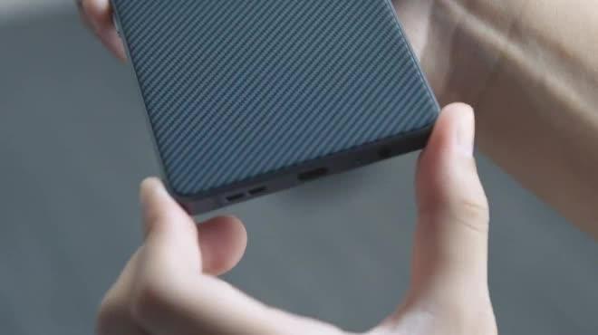 BlackBerry tung video trên tay BlackBerry Motion đẹp mướt mắt