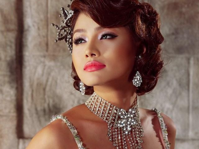 Mỹ nữ Việt bị ông trùm Hollywood gạ tình NÓNG nhất tuần