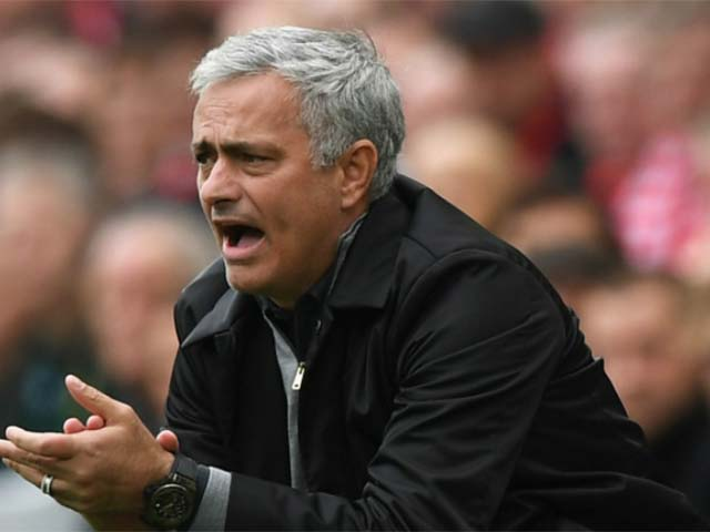"""Tổng hợp Ngoại hạng Anh vòng 8 rực lửa: MU """"tàn nhẫn"""", Man City tuyệt đỉnh 4"""