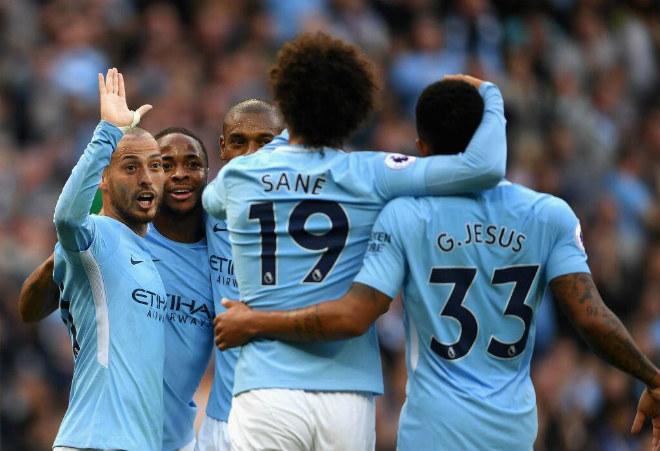 """Man City đá đẹp """"ăn đứt"""" MU: 29 bàn/8 trận, Pep hủy diệt Ngoại hạng Anh"""