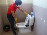 Nhiều người đã bị bỏng hóa chất tẩy rửa bồn cầu