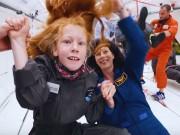 Công nghệ thông tin - Video: 8 trẻ em trải nghiệm môi trường không trọng lực bằng Airbus A310