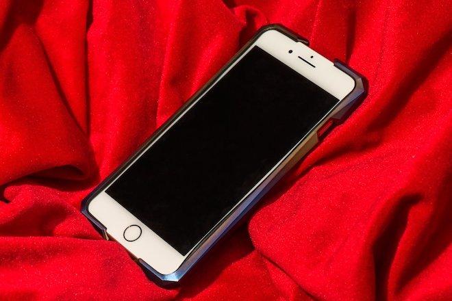 Chiếc ốp siêu độc này có giá cao hơn cả iPhone 8/8 Plus, iPhone X - 10