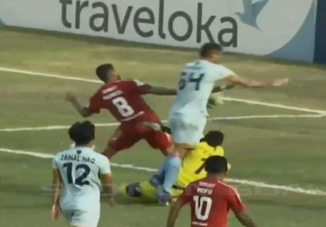 Những vụ va chạm khiến thủ môn chết trên sân 2