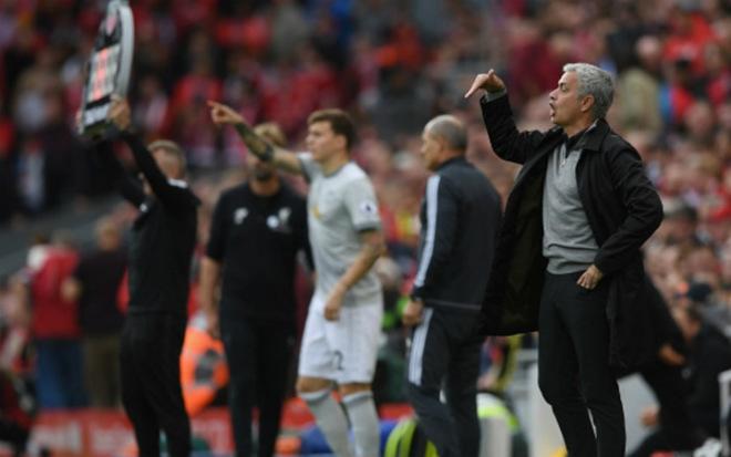 """MU đua Man City: """"Người quyến rũ"""" Pep và """"Gã phản diện"""" Mourinho 1"""