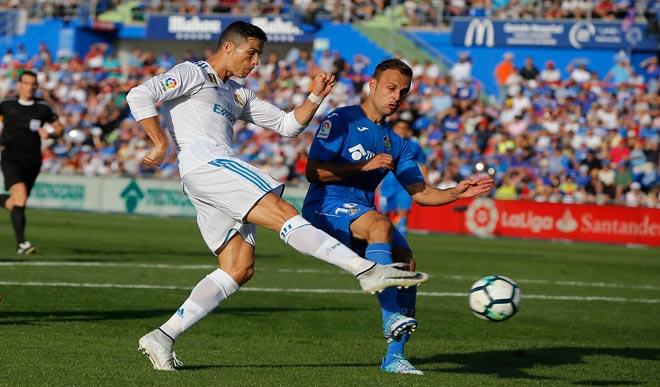 """Messi 11 bàn/8 trận vẫn """"đen"""" nhất châu Âu, Ronaldo siêu """"chân gỗ"""" - 2"""