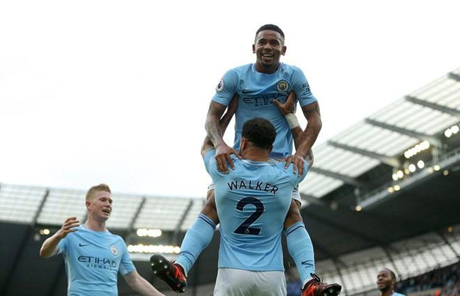 """Tổng hợp Ngoại hạng Anh vòng 8 rực lửa: MU """"tàn nhẫn"""", Man City tuyệt đỉnh 2"""