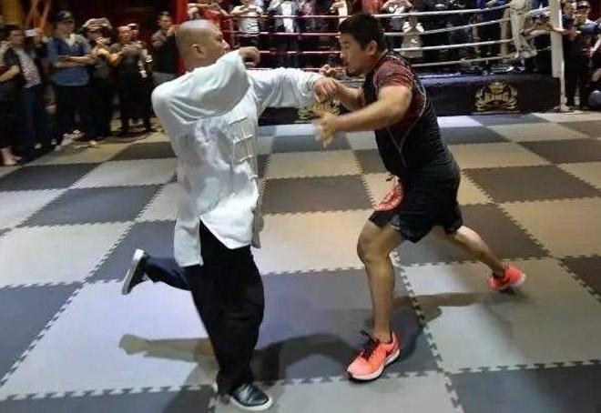 Võ Trung Quốc dậy sóng: Cao thủ Thái Cực thua Từ Hiểu Đông đi học MMA 1