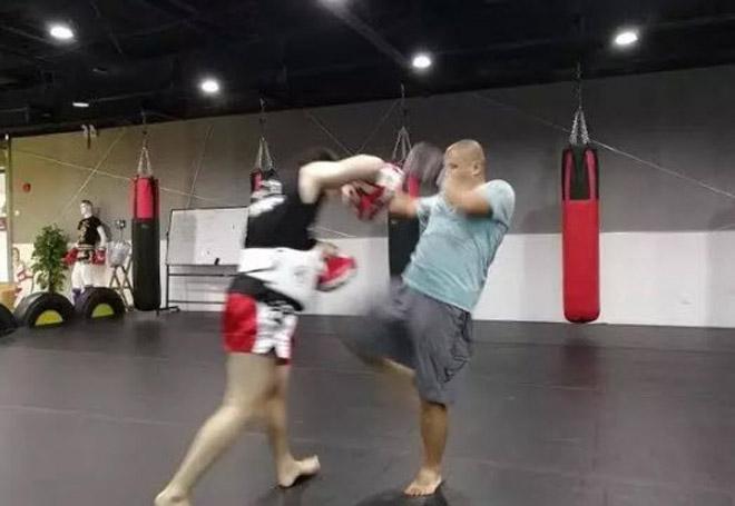 Võ Trung Quốc dậy sóng: Cao thủ Thái Cực thua Từ Hiểu Đông đi học MMA 4