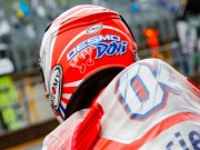 """Đua xe MotoGP: Thủy chiến  """" tàn khốc """" , huyền thoại ngã đau đớn"""