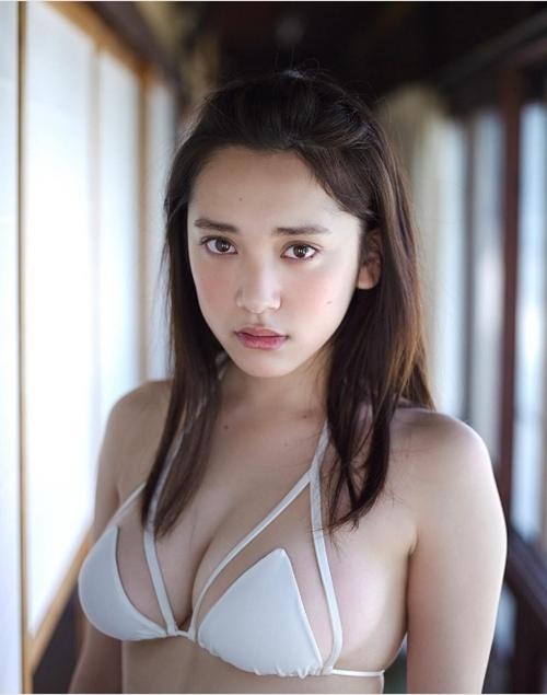 Kiều nữ xứ Phù Tang thấp và tròn vẫn xinh đẹp, gợi cảm ngất ngây