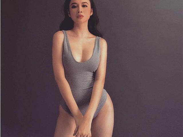 Tự chế áo liền quần như của Angela Phương Trinh với đồ cũ