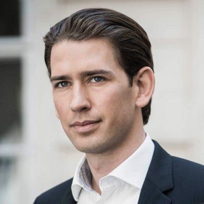 Vẻ đẹp trai sáng rỡ của vị thủ tướng 31 tuổi, trẻ nhất thế giới - 2