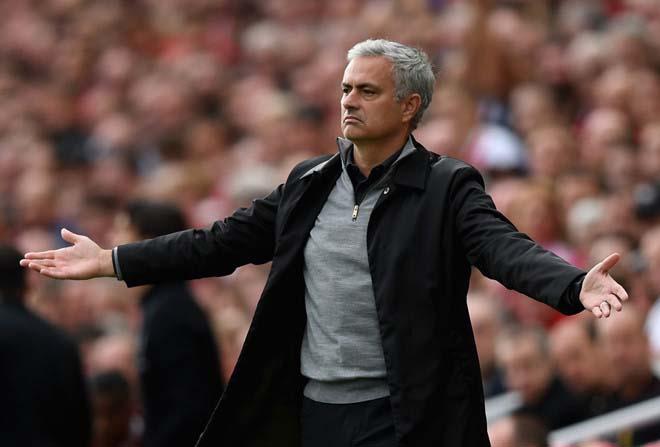 """MU vỗ về Mourinho: Lương siêu khủng, """"thả ga"""" tậu Griezmann & Ozil - 1"""