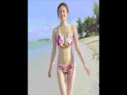 Nóng như hậu trường chụp ảnh bikini của chân dài Nhật