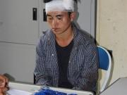 Bị bắt vì buôn ma tuý, dùng đá tấn công cảnh sát