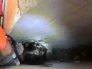 Giải cứu bé gái kẹt cứng đầu giữa khe tường ở trường học