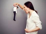 Cái kết đắng cho ông chồng bị vợ lấy dép tát vào mặt