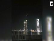 Vật thể lạ bốc cháy ngùn ngụt từ trên trời rơi xuống UAE
