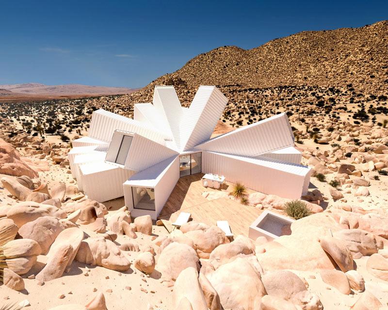 Nhìn tưởng pháo đài xấu xí nhưng thực ra lại là căn hộ tuyệt đẹp giữa sa mạc - 1
