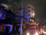 Cháy quán karaoke ở SG, cả chục người gào thét trong biển lửa