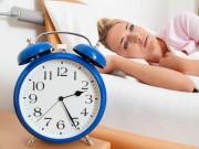 Mỗi đêm chỉ ngủ được 1 - 2 tiếng, sáng dậy mệt mỏi phải làm sao?