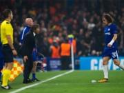 """Chelsea hòa hú vía: Cầu thủ đồng loạt  """" lăn quay """" , Conte chịu lỗi"""