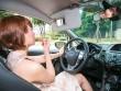 Bí kíp thư giãn khi lái xe trong phố dành cho chị em