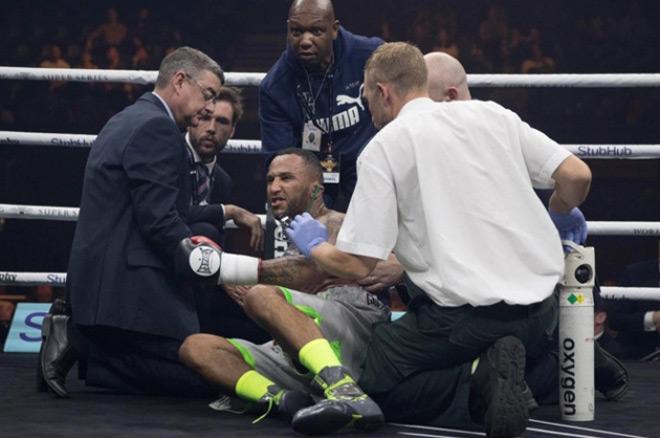 """Boxing: Võ sỹ """"chơi bẩn"""" đấm trộm, hả hê 1 giây ăn năn cả đời 4"""