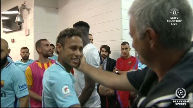Thảm họa MU: Mê bộ ba Cavani-Mbappe-Neymar, Mourinho sẽ đến PSG 2
