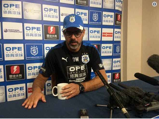 MU họp báo đấu Huddersfield: Mourinho không dám chủ quan, báo tin vui về Ibra 2