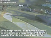 Mỹ: Máy bay trên trời bỗng lao xuống đường húc tung ô tô