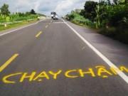 Tin tức trong ngày - Dân vẽ cảnh báo nguy hiểm trên đường tránh BOT Cai Lậy