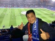 Lý Hùng hào hứng xem bóng đá ở Anh quốc