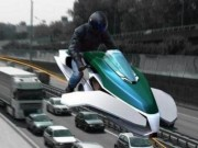 Nghề cảnh sát ở Dubai: Lái mô tô bay độc nhất vô nhị tuần tra trên phố