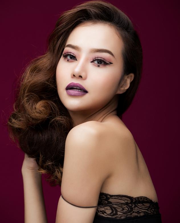Hậu dao kéo, hoa hậu Việt này ngày càng tự tin khoe vòng 1 nóng bỏng - 5