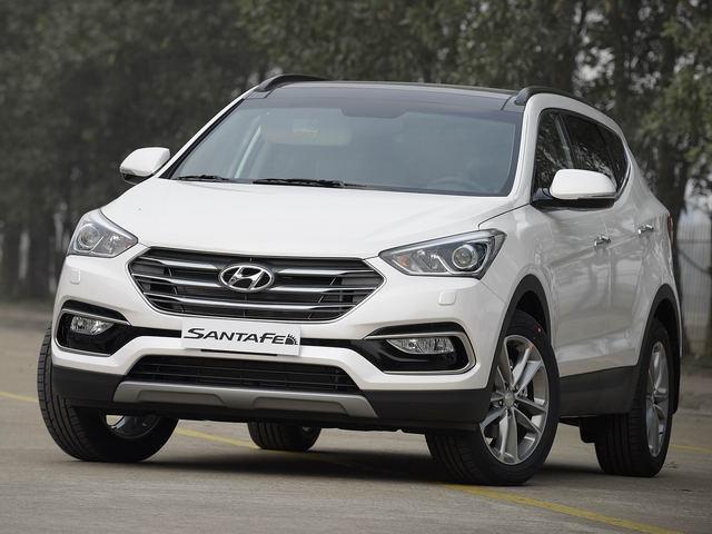 Hyundai Santa Fe giảm giá khiến nhiều xe khó bán