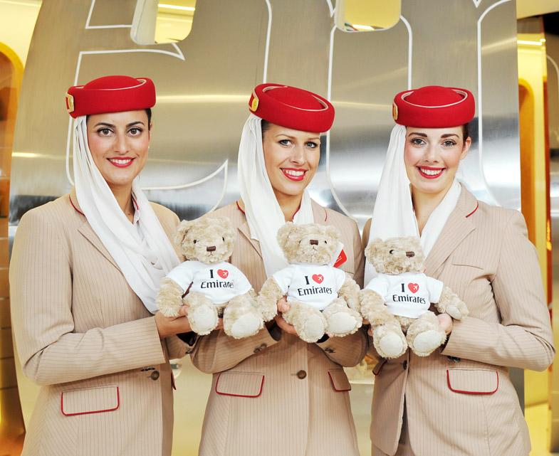 """Tiếp viên xinh đẹp của hãng hàng không cao cấp nhất """"thôi miên"""" hành khách bằng cách này - 1"""