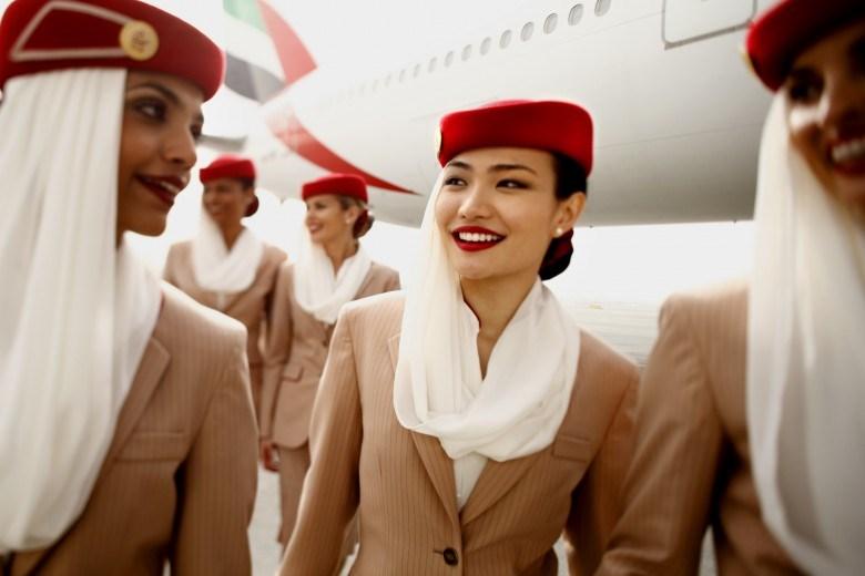 """Tiếp viên xinh đẹp của hãng hàng không cao cấp nhất """"thôi miên"""" hành khách bằng cách này - 2"""